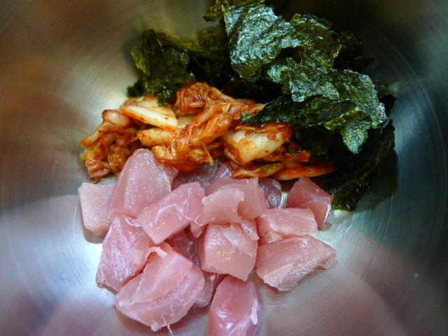 まぐろとキムチ丼材料2