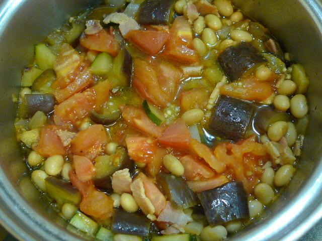 大豆と野菜スープ煮完成