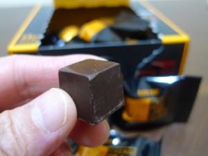 ロッテCACAO74%チョコ